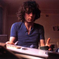 Pink Floyd Efsanesini Yarattıktan Sonra Gruptan Ayrılıp Kendi Yolunu Çizen Sessiz Dahi: Syd Barrett