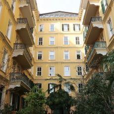 Her Gidip Görenin Tutulduğu, İstanbul'da Türünün En Eskisi: Doğan Apartmanı