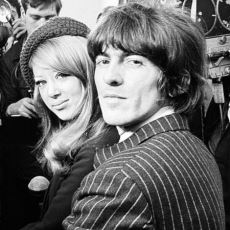 The Beatles, The Rolling Stones ve Eric Clapton'ı Birbirine Düşüren Fotomodel: Pattie Boyd