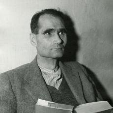 Hitler'in Yakınıyken Hain İlan Edilerek Hapiste Çürüyen Politikacı: Rudolf Hess