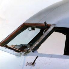 Kokpit Camından Fırlayan Pilotun Mucize Kurtuluşuna Neden Olan Uçuş