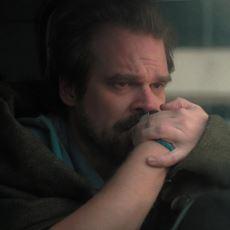Stranger Things'in 2. Sezonunda Birçok Kişinin Fark Etmediği Duygulandıran Detay