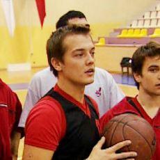 Onu Hepiniz Tanıyorsunuz: Anadolu Lisesine Giden, NBA Meraklısı ve Metalci Tip