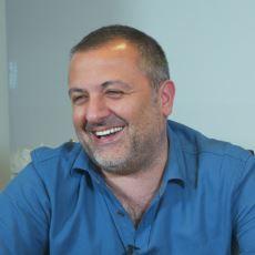 """Mehmet Demirkol ve Irmak Kazuk'un Ekşi Sözlük """"Buyrun Benim"""" Videosu"""