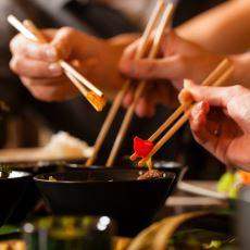Bazı Uzakdoğu Mutfaklarında Aşırı Dozda Kullanılan MSG Yüzünden Oluşan Çin Restoranı Sendromu