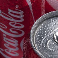 Bir Kutu Coca-Cola İçince 1 Saat İçinde Vücutta Olanlar