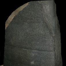 Tesadüfen Bulunarak Mısır Tarihinin Aydınlatılmasını Sağlayan Ünlü Yazıt: Rosetta Taşı
