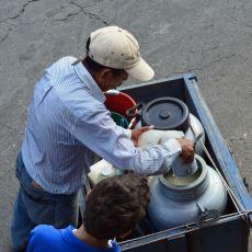 Türkiye'de Sokaklarda Çiğ Süt Satışı Neden Yasaklandı?