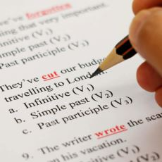 12 Yıllık Zorunlu Eğitim Süresince İyi İngilizce Öğrenmek Neden Zor Oluyor?