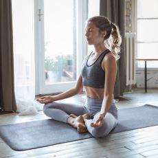 """""""Nedir Bu Yoga"""" Diyenler için Yogaya Dair Merak Edilen Her Şey"""