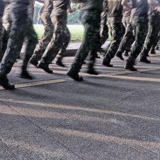 Askerlikte Yamuk Yapılacak En Son Kişiyle Küçük Bir Kaza Yaşayan Askerin Trajikomik Hikayesi