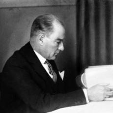 Mustafa Kemal Atatürk'ün Okuduğu 124 Kitabın PDF'i