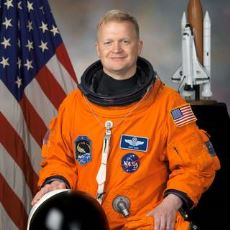 Hangi Renk Astronot Kıyafeti Hangi Amaçla Kullanılıyor?