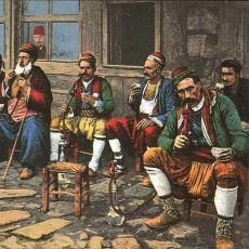 Osmanlı Döneminde Esrarkeşlerin Toplanıp Kafa Yaptıkları Yer: Esrar Tekkesi