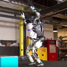 Boston Dynamics'in Ciddi Ciddi Ters Takla Atabilen Yeni Robotu Uykuları Kaçırmaya Geliyor