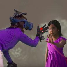 Kore'de Bir Annenin VR Aracılığıyla Vefat Eden Kızıyla Görüştürülmesi