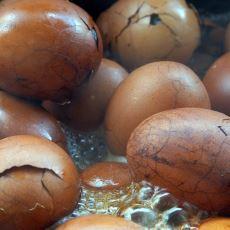 Çin'de Erkek Çocuk İdrarıyla Pişirilen Yumurta Kültürü: Virgin Boy Egg