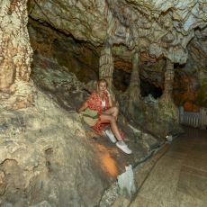 8 Bin 350 Metrelik Derinliğiyle İnsanı Korkutan Yapı: İnsuyu Mağarası