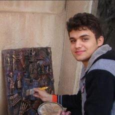 IŞİD'in Yakıp Yıktığı Tarihi Eserlerin Aynılarını Yapmaya Çalışan Sanatsever Çocuk