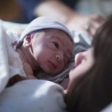 Bebek Bekleyen Çiftlerin Doğuma Giderken Yanından Ayırmamaları Gereken Şeyler