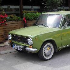 """1970'lerin Efsane Arabası Murat 124'e Neden """"Hacı Murat"""" Deniyor?"""