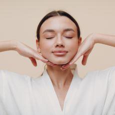 Yaşlanma Belirtilerini Azaltan Yüz Yogası Nedir, Faydaları Nelerdir?