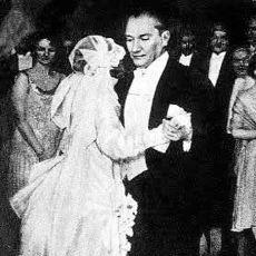 Atatürk'ün, İşlerin Onun İçin Pek İyi Gitmediği Aşk Hayatının Özeti