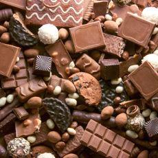 İçerdiği Kakao Oranı ve Diğer Katkı Maddelerine Göre Çikolata Çeşitleri