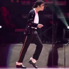 Michael Jackson'ın Efsane Dansı Moonwalk Nasıl Yapılır?