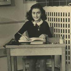 Saklandığı Bölmede Yazdığı Günlüklerle Yahudi Katliamının Sembolü Olan Küçük Kız: Anne Frank