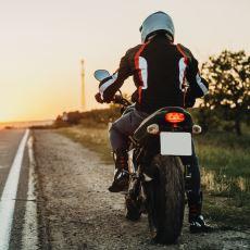 Motosiklet Sürerken Olası Bir Düşüşte Güvenliğinizi Artıracak Giysi ve Aksesuarlar