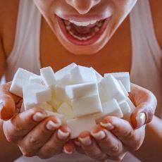 İhtiyacınız Olan Günlük Kaloriyi Sadece Şeker Yiyerek Alırsanız Ne Olur?