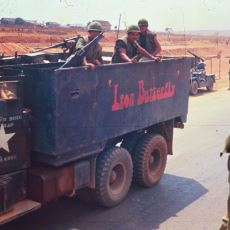 Vietnam Savaşı Sırasında Acil Bir Çözüm Olarak İcat Edilmiş Pusu Savunma Aracı: Gun Truck