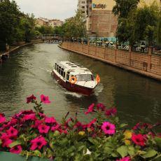 Eskişehir'in Bir Öğrenci Şehrinden Daha Fazlası Olduğunun Kanıtı Niteliğinde Dev Bir Şehir Rehberi