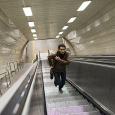 Durmakta Olan Yürüyen Bant veya Merdivenlerde Neden Sendeleriz?
