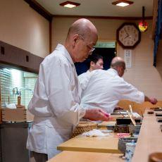 Tokyo'daki Küçücük Restoranında 3 Michelin Yıldızlı Suşiler Yapan 91'lik Efsane: Jiro Ono