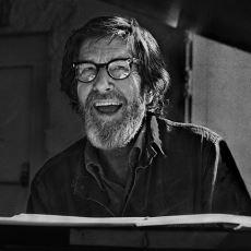 Piyanonun Tuşlarına Dahi Dokunulmayan 4'33'' İsimli Eseriyle Müzik Tarihine Geçen John Cage
