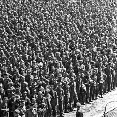 60 Bin Alman Esir Askerin Aşağılanmak İçin Moskova'da Yürütülmesi