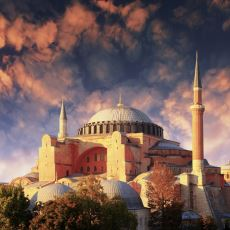 Ayasofya'nın Camiye Çevrilmesi Neden Uluslararası Standartlarda Çok Zor?