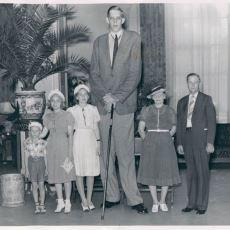 2.72 M Boyu ve 220 Kg'lık Dev Cüssesiyle Dünya Tarihindeki En Uzun İnsan: Robert Wadlow