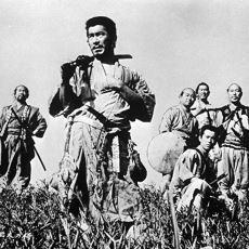 Akira Kurosawa, Yedi Samuray Filmindeki Abartılı Doğallığı Nasıl Sağladı?
