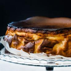 Bir Aşçının Püf Noktalarıyla: San Sebastian Cheesecake Tarifi