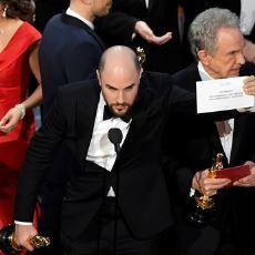 2017 Oscar Töreni'nde En İyi Film Ödülünün Yanlış Anons Edilmesine Sebep Olan Tasarım Hatası