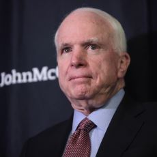 Yaptığı Uçak Kazalarıyla Amerikan Ordusuna Faydası Kadar Zararı da Dokunan Sansasyonel Senatör: John Maccain