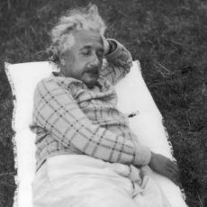 Einstein ve Dali'nin Kullandığı Çok Kısa Süreli Uyku Yöntemi: Microsleep
