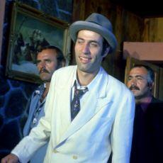 Kemal Sunal Filmlerine Absürd Komedi Tadını Getiren Natuk Baytan Ekolü