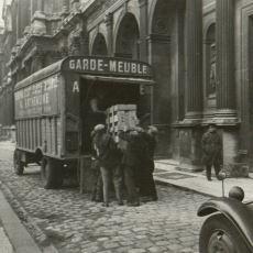 Nazilerin İşgal Ettiği Yerlerdeki Yahudi Eşyalarının Almanya'ya Kaçırılması Olayı: M-Aktion