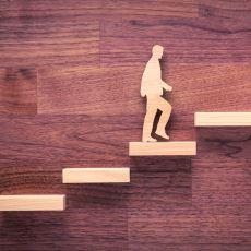 İş Hayatında Kariyer Basamaklarını Hızla Çıkmanıza Yardımcı Olabilecek Bazı Tavsiyeler