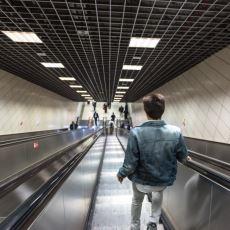 Bozuk Yürüyen Merdiveni Çıkarken Yaşadığımız Afallamayı Açıklayan Kavram: Walker Effect