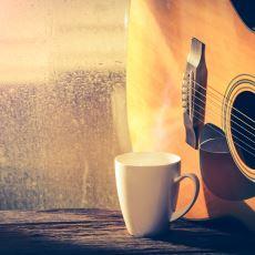 Yağmurlu Günlerde İşi Gücü Bırakıp Huşu İçinde Dinlenebilecek Şarkılar